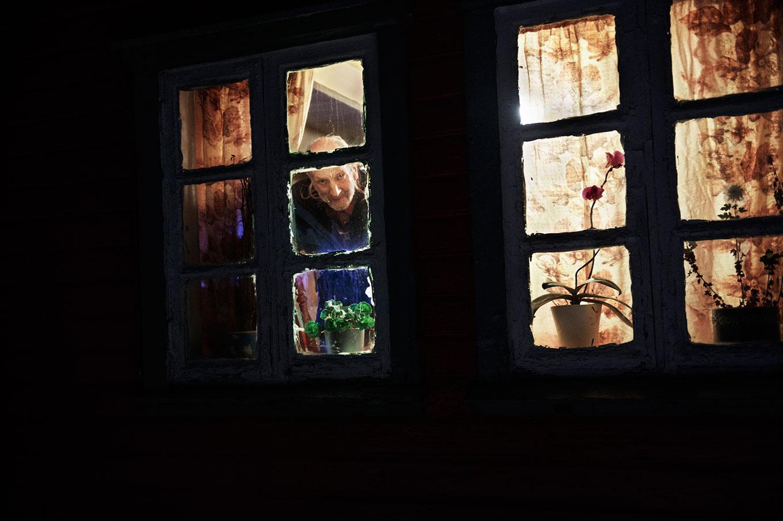 нашей подсматривать в окна домов кругу мате